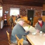 Morgenkaffee in der Jagdunterkunft des Pächters