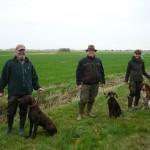 entspannte Hundeführer nach dem Derby